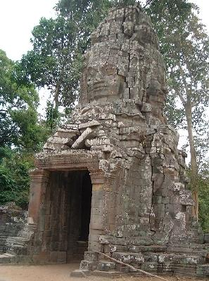 A nice gate at the ruins of Ta Prohm, FACING west...