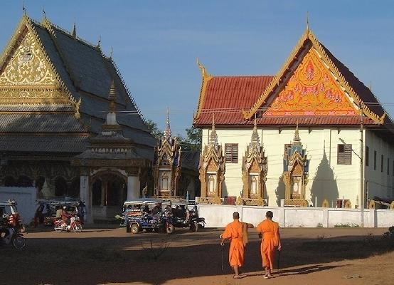 Two monks approaching Wat Luang, about 8 am, late Dec. 2000 (Pakse)