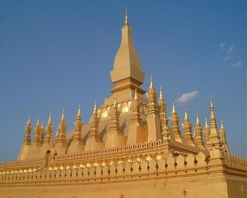 What a wat!   [ Pha That Luang ]