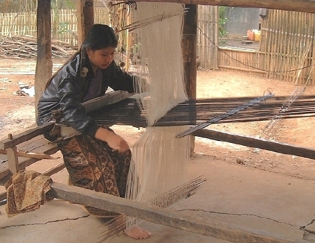 Another shot of weaving at Ban Phanom